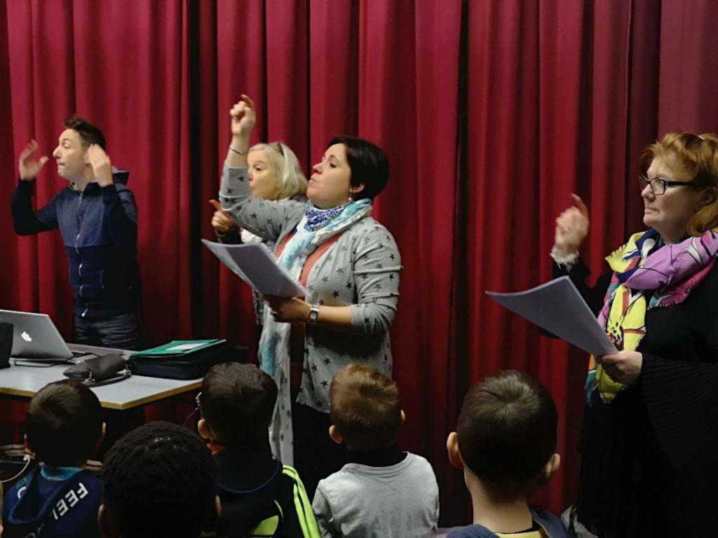 Ecriture et enregistrement de chansons avec André Borbé à l'Ecole fondamentale libre de Chênée